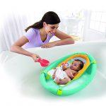 bain dans baignoire evolutive pour bebe