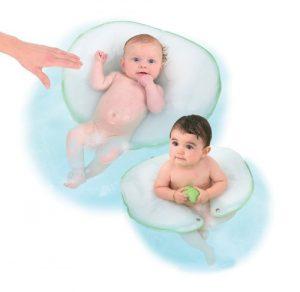 bain avec coussin dans baignoire