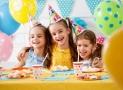 Préparation d'une fête d'anniversaire : opter pour la vaisselle jetable